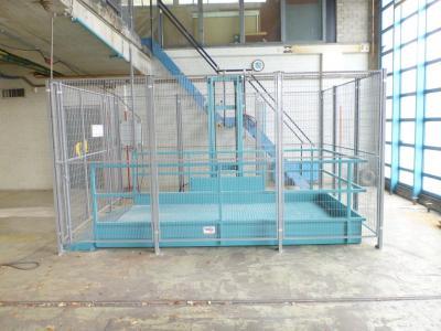 Groot goederenlift t.b.v. golfkarren op de zolder te zetten en ook maaimachines etc. © SME Liften BV