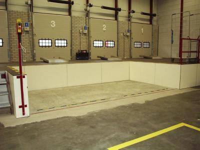 dubbel naast elkaar geplaatse heftafels voor loaddock © Sluysmachines.nl